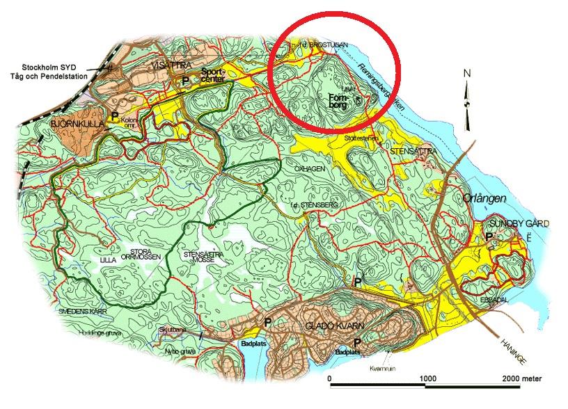 Karta över Flemingsbergsskogen. Våtmarksanläggningen och fornborgen markerade.