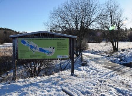 En av de informationstavlor som berättar mer om naturreservatet Flemingsberggskogen.